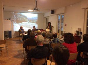 Multimediale Buchlese im Vortragsraum des DDR-Museums